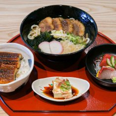 You will feel like you are transported to Japan at a lovely udon restaurant!  | Zen Sanuki Udon